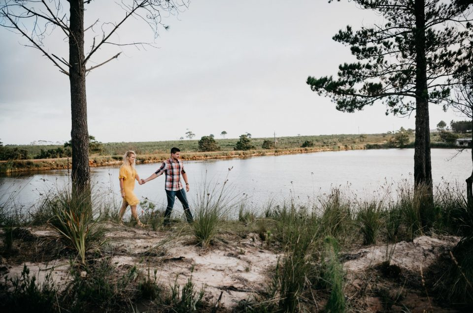 Shannon & Dawie fun and relaxed engagement shoot at Cairnbrogie Farm in Plettenberg Bay.