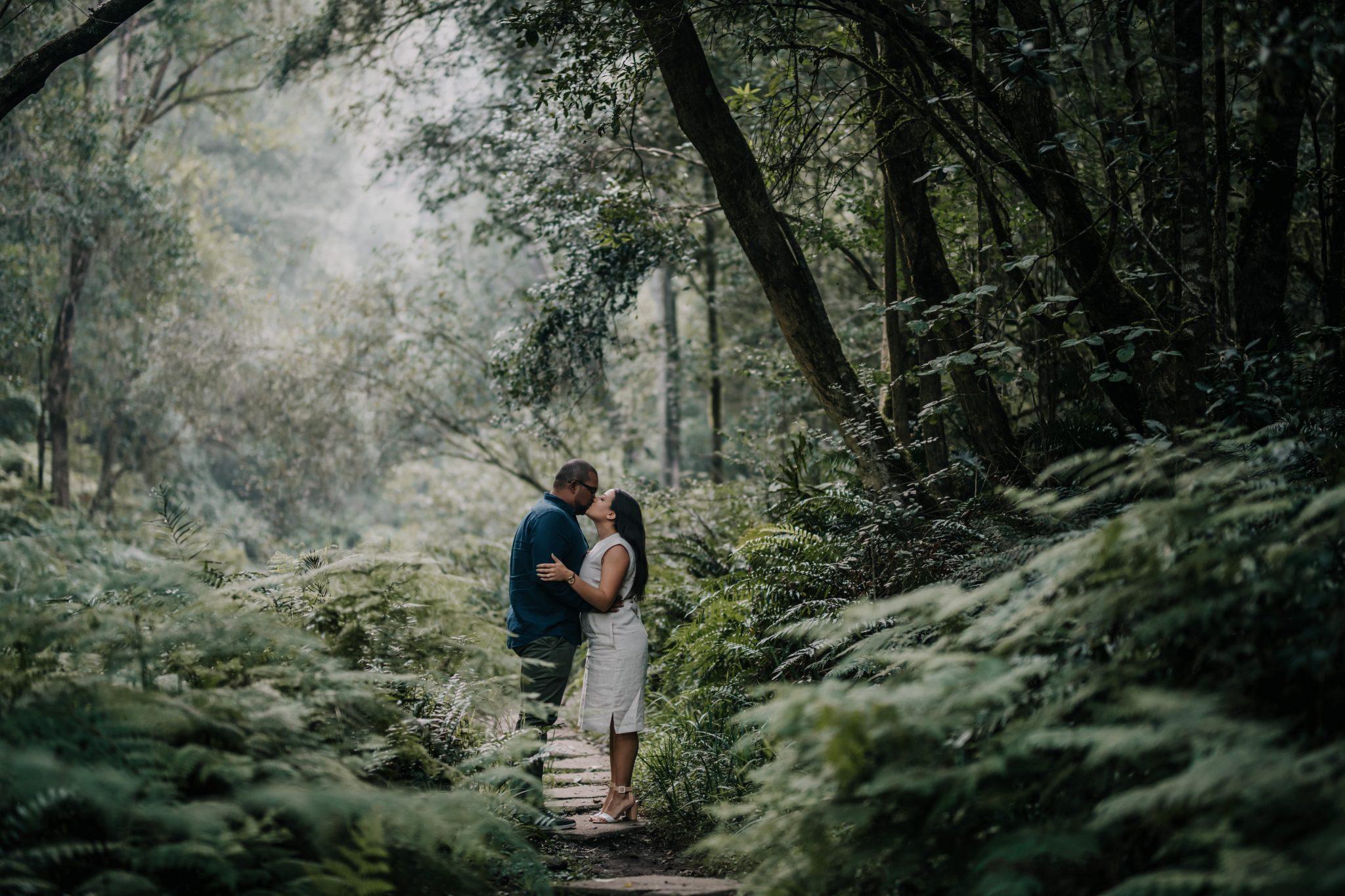 amy-blaine-jubilee-creek-engagement-shoot-23
